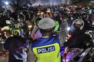 Ribuan Pulang Ke Kampung Indonesia