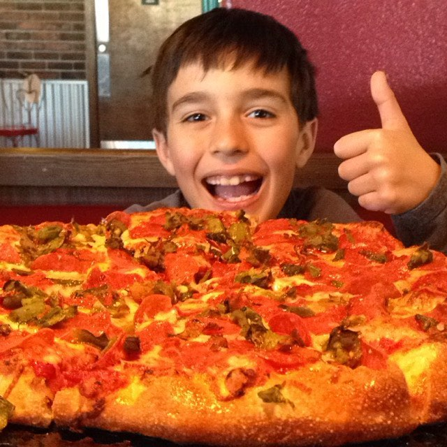 Green Chile and Pepperoni Pizza / Photo by Instagram User @_ah_ah_