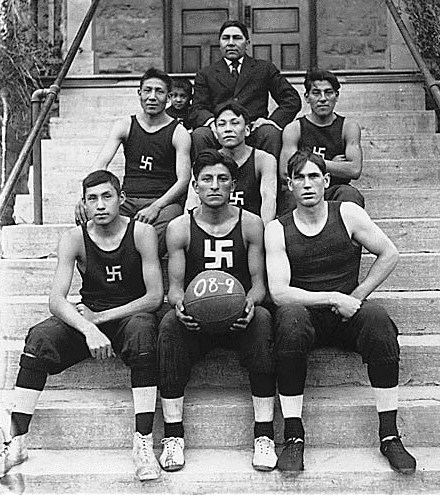 Native_American_basketball_team_crop