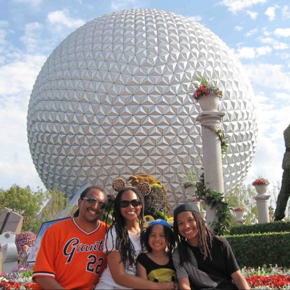 how to plan a trip to disney world - family epcot - http://iamsherrelle.com