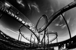 slow motion rider - rollercoaster b&w - http://iamsherrelle.com