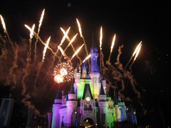 fireworks at Disney World http://iamsherrelle.com