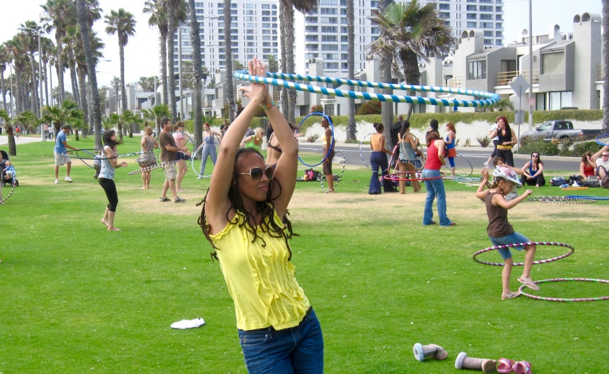 Hooping on Venice Beach http://iamsherrelle.com