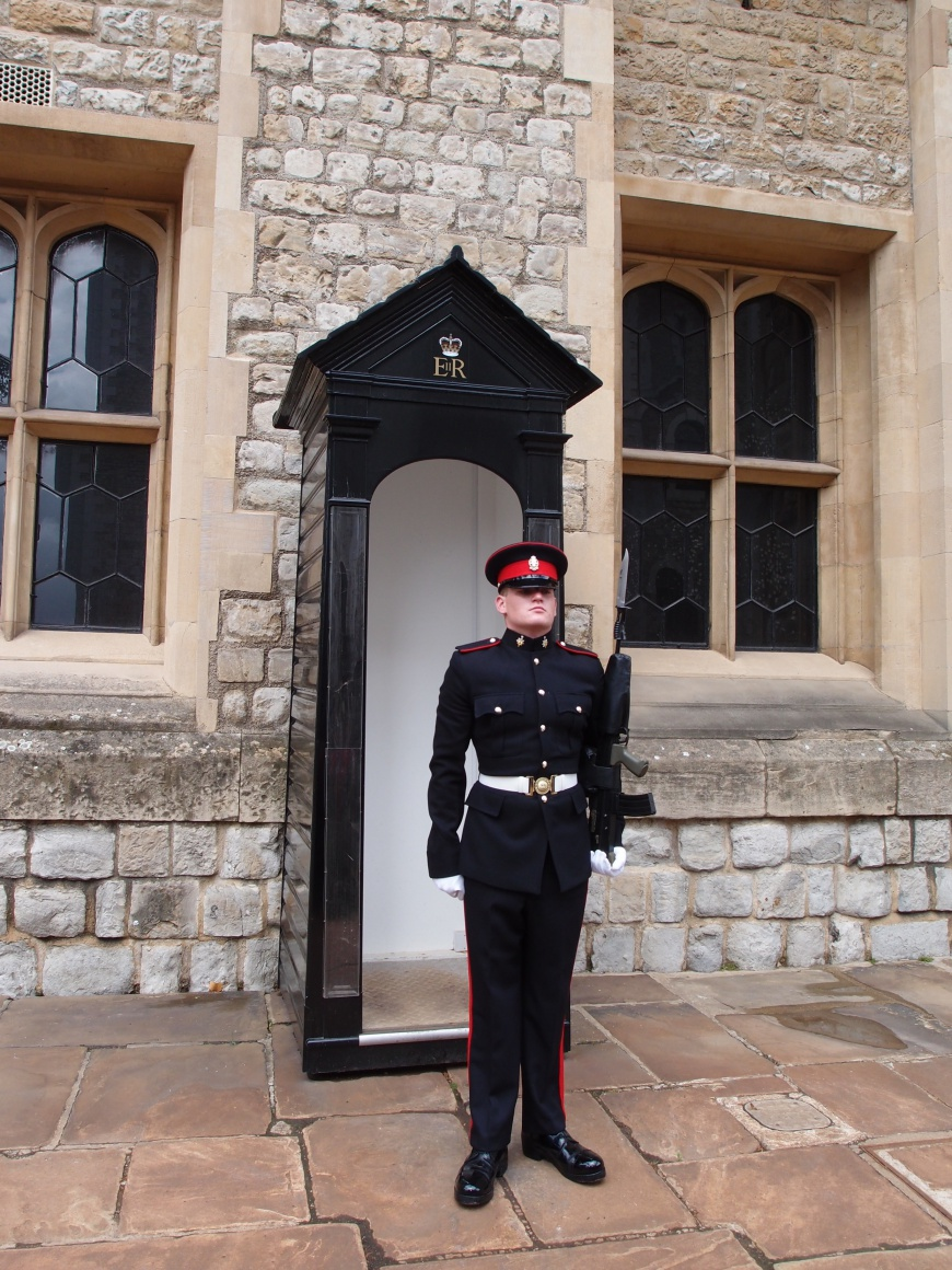 London Sightseeing - Tower of London Guard - http://iamsherrelle.com