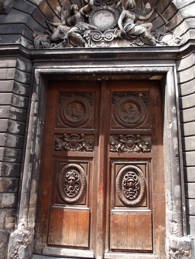 Paris doors http://iamsherrelle.com