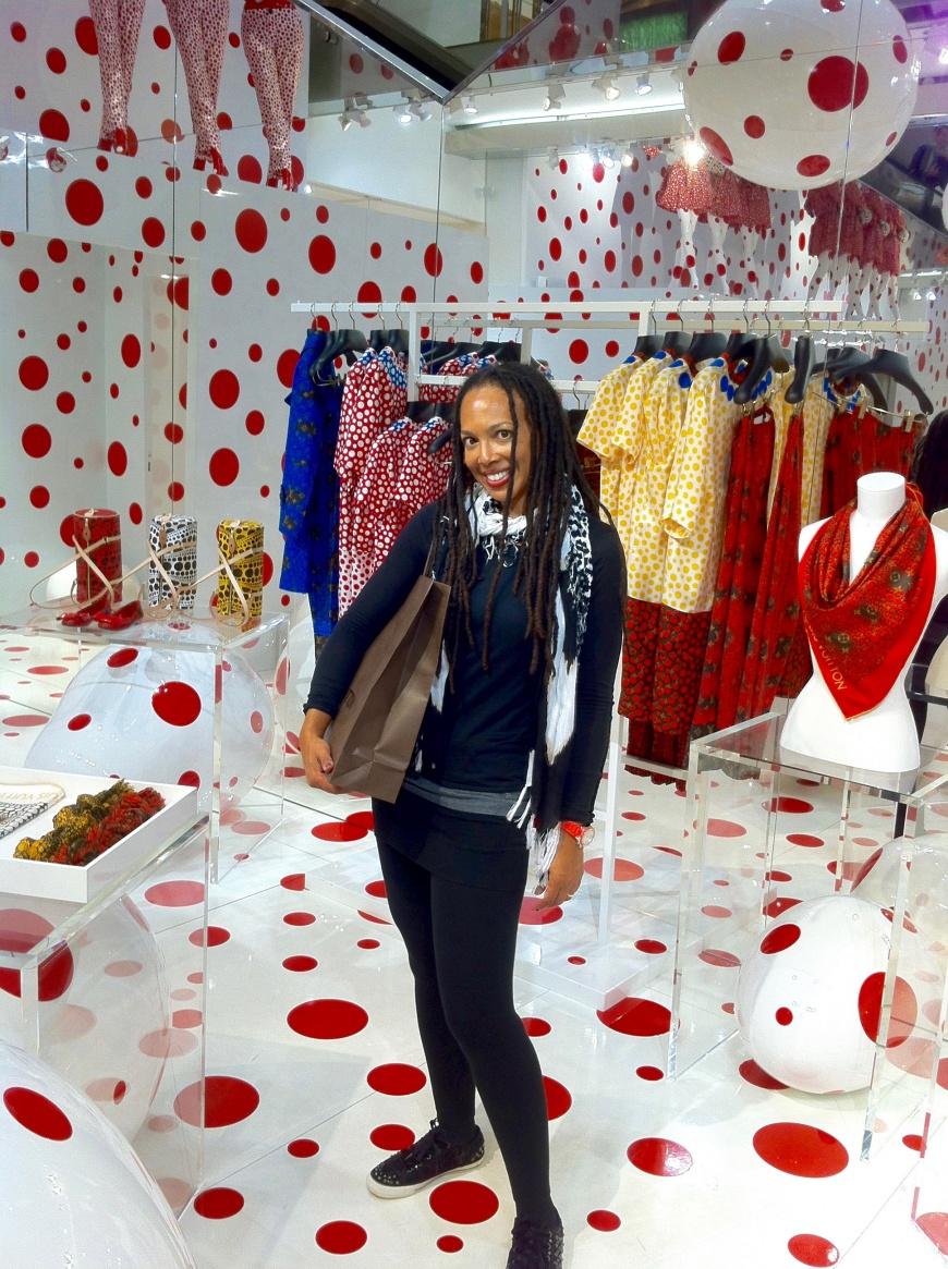 Louis Vuitton Kusama pop-up selfie - http://iamsherrelle.com