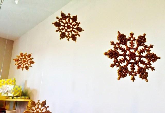 Modern Christmas Decor-Gold SnowFlakes http://iamsherrelle.com