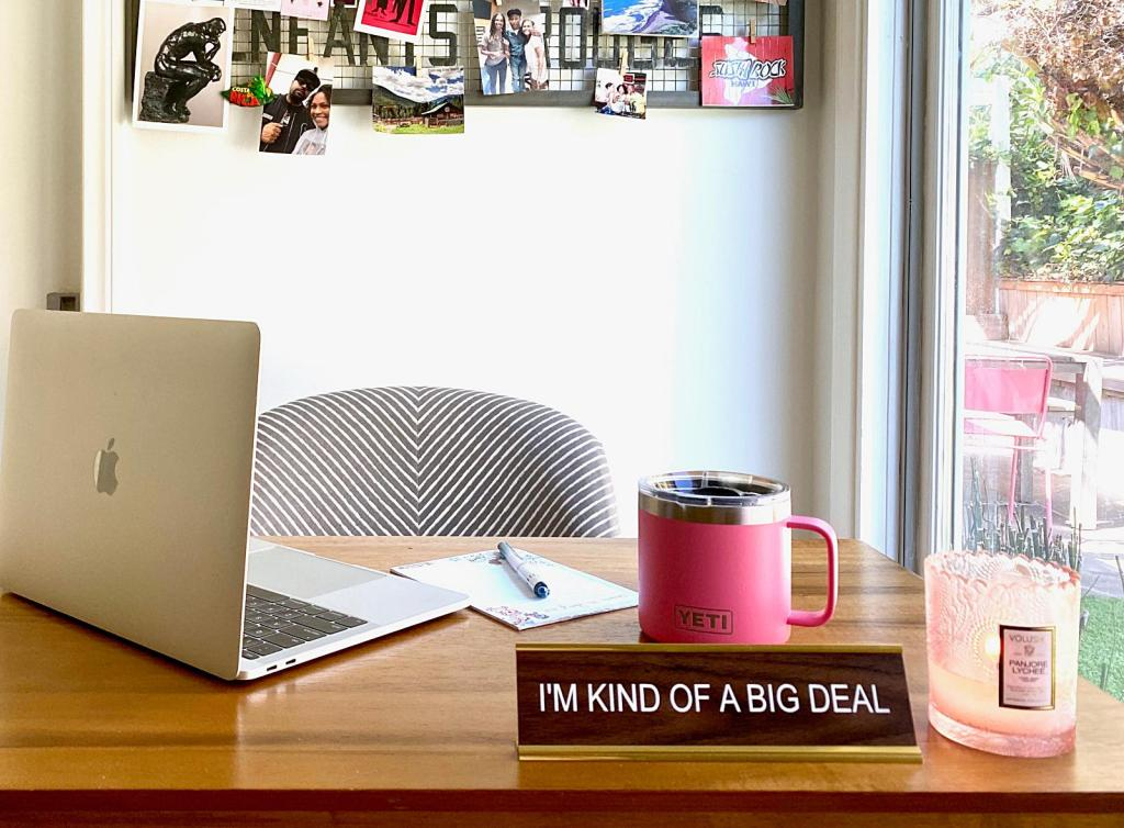 How To Work From Home, Be Productive and Stay Sane #homeoffice