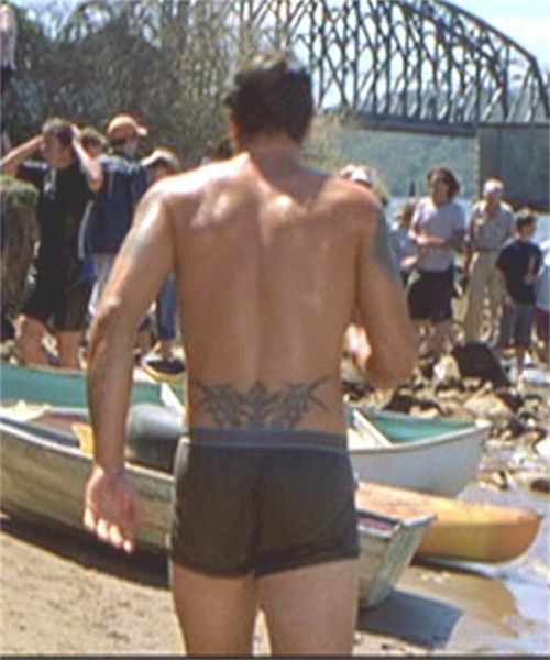 Searching for the elusive male tramp stamp (6/6)