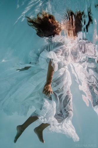 elena kalis underwater portrait