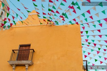 iglesia campeche virgen guadalupe méxico amarillo banderolas