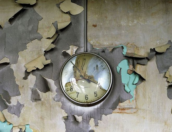 abandoned places clock