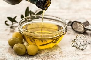 salad dressing on the side to improve diet