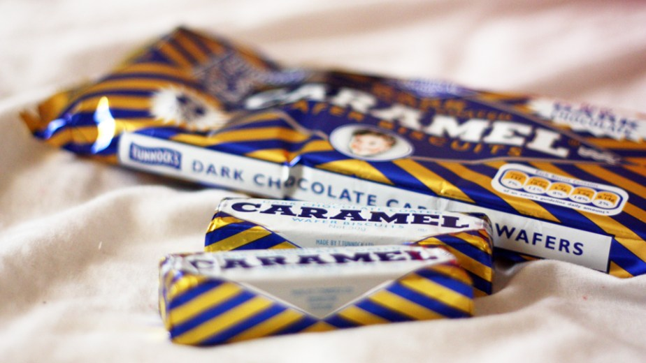 tunnocks-caramel-wafer-02