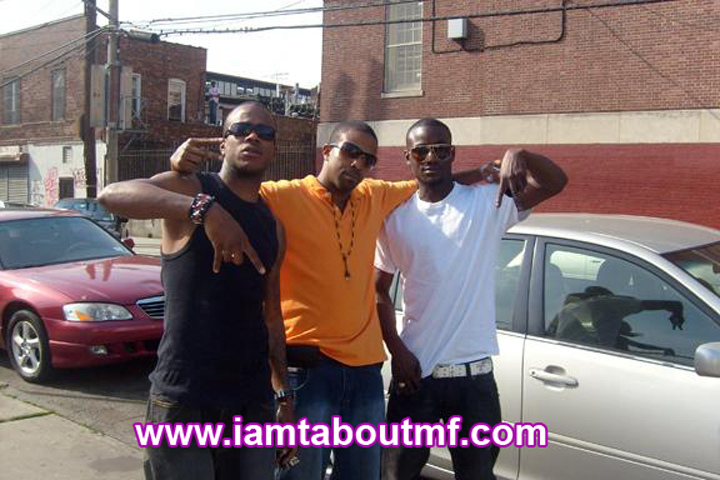 Tabou TMF aka Undefinable One i, Insaine Maine & Anthony A chilling in The Bronx
