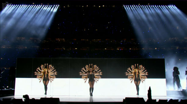 Beyonce Performing Baby Boy @ The Super Bowl 2013
