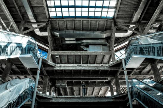 Escaleras eléctricas de la Torre Este. Foto Nohely Ron.