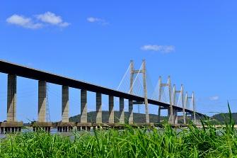 El puente en toda su magnitud.