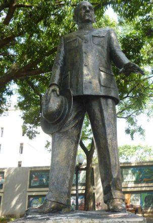 Estatua pedestre de Alberto Arvelo Torrealba, año 2017. Foto Marinela Araque.
