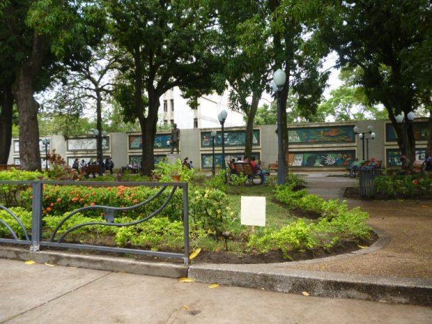Plaza Luis Razetti o plaza de Los Poetas, en Barinas.