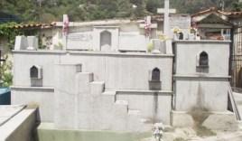 Tumbas de hasta 3 pisos en el cementerio El Buen Pastor. Foto Yimi Pacheco / Diario El Tiempo.