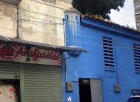 Garita del antiguo cuartel de Maracay, aún conserva su techo de tejas y ventanas originales. Foto Zandra Pérez / HistoriasdeMaracay.com, 2013.