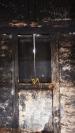 Ventana en pared interna. Muestra deterioro del bahareque y falta de mantenimiento. Foto: José Luis Rosales.