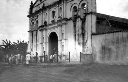 Catedral de Barinas cuando no tenía construida la torre, y era templo parroquial. Foto archivo Cronista Barinas.