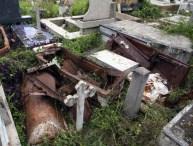 Tumba profanadas en el cementerio municipal de Valera. Trujillo, Venezuela.