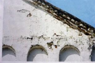 Fachada de la iglesia San Nicolás de Bari, antes de la restauración de 2015, municpio Obispos de Barinas, Venezuela.