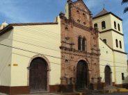 Iglesia de Nuestra Señora del Carmen, en el casco histórico de San Sebastián de Los Reyes, Aragua. Foto Fev Creative Commons, 2008.