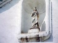Imagen que estaba situada en la parte superior de la fachada de la fachada de la iglesia San Nicolás de Bari. Foto. Tirso Díaz, 2012.