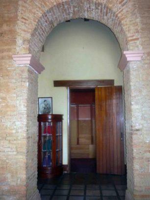Parte posterior de la catedral, en 2012, año de su rehabilitación por la alcaldía y el IPC. Foto Marinela Araque.