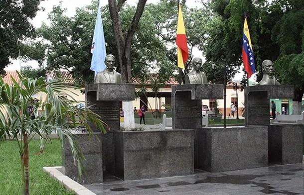 Plaza Los Tres Diputados, en el centro histórico de San Sebastian, Aragua. Patrimonio de Venezuela.