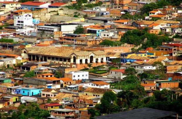 Mercado Municipal de Capacho Nuevo, centro neurálgico de la cotidianidad del municipio Independencia, estado Táchira. Venezuela.