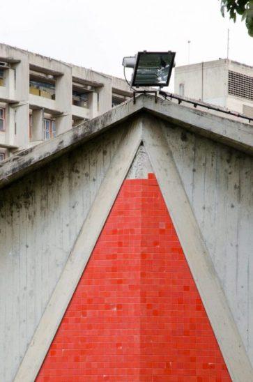 Detalle del techo del Auditorio Humanidades de la UCV. Ciudad Universitaria de Caracas, Patrimonio mundial de Venezuela 2000.