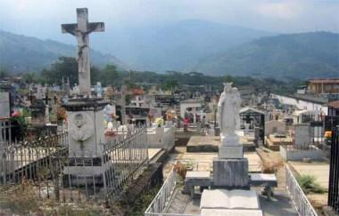 Algunos de los exquisitos panteones del cementerio de Boconó. Patrimonio cultural del estado Trujillo, Venezuela.
