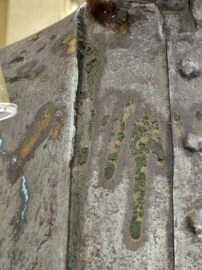 Detalles del acentuado deterioro del busto al Obispo Rafael Lasso de la Vega. Bien cultural de Mérida, Venezuela.