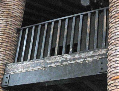 Se observa deterioro en los balcones de Casacoima, a 5 años de restaurado. Monumento nacional de Venezuela asentado en Guanare, estado Portuguesa.