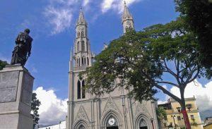 Iglesia San Juan Bautista, frente a la plaza Bolívar de Valera. Venezuela SosPatrimonio