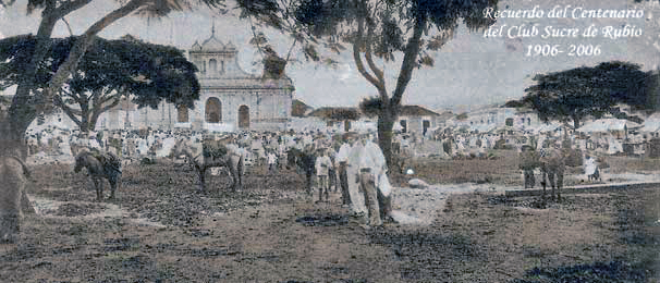 La plaza Colón actualmente plaza Bolívar, en el año de 1916.