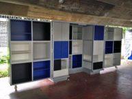 Los nuevos módulos en el pasillo de los libreros, propuestos por el Copred UCV. Ciudad universitaria de Caracas, declarada Patrimonio de la Humanidad en el año 2000 por la UNESCO. Venezuela.