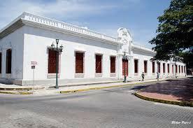 Palacio del Marqués con su policromía tradicional. Casco histórico de Barinas, Venezuela.