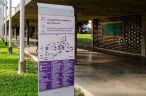 Señalización de la Ciudad Universitaria de Caracas. Patrimonio de la Humanidad de Venezuela. Unesco 2000.