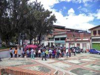 Actividad cultural en la zona norte de la plaza Rivas Dávila. Patrimonio histórico del municipio Mérida, estado Mérida. Venezuela.