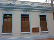 Vista de las ventanas del palacio municipal de la ciudad de Barinas. Patrimonio arquitectónico de Venezuela.