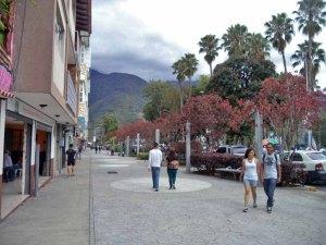 Bulevar Las Heroínas inaugurado en el 2012. Patrimonio cultural de Mérida, Venezuela.