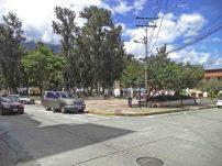 Costado norte de la plaza Rivas Dávila. Patrimonio histórico del municipio Mérida, estado Mérida. Venezuela.