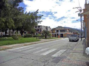Costado sureste de la plaza Rivas Dávila. Patrimonio histórico del municipio Mérida, estado Mérida. Venezuela.