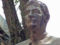 Enmugrecimiento de la estatua de Pulido Méndez. Patrimonio cultural de la ciudad de Mérida, Venezuela.